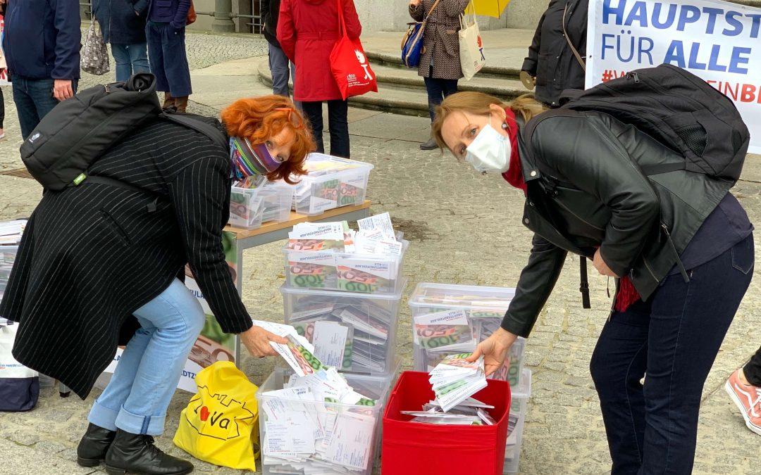"""Protest vor dem Roten Rathaus – """"Hauptstadtzulage für alle!"""""""